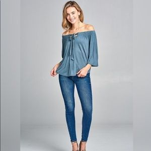 🎉HP🎉SOFT BLUE FRONT TIE TOP🦋